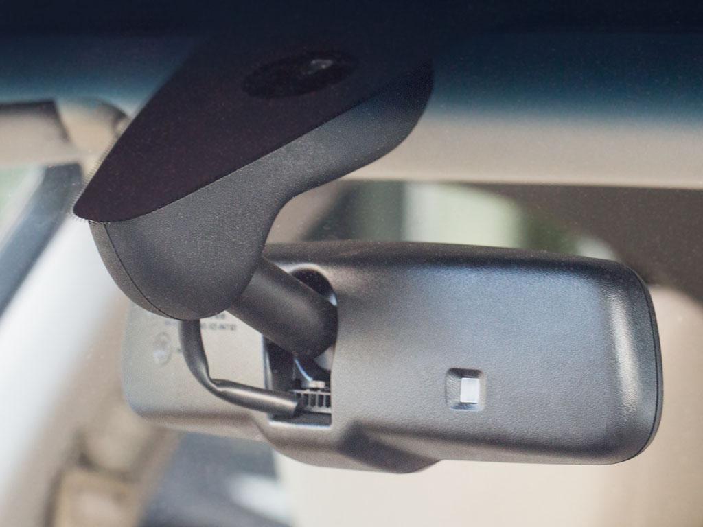 Установка видеорегистратора в автомобиль новосибирск